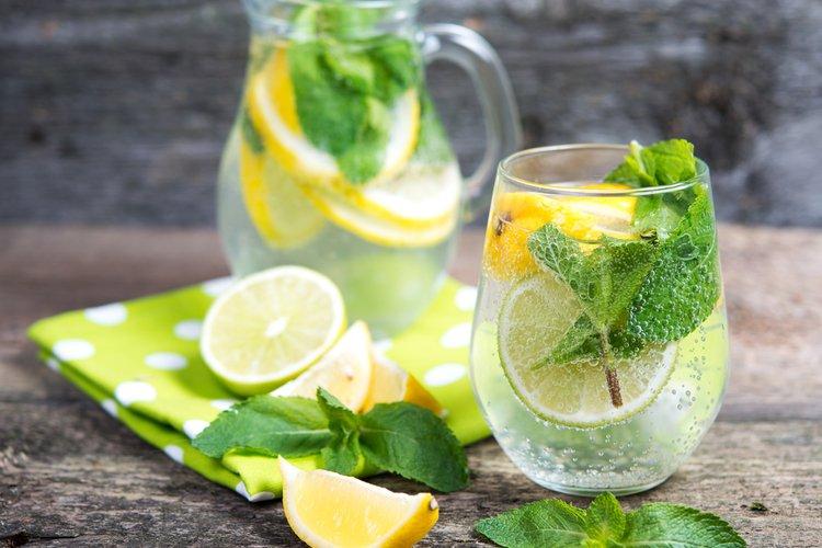 Ingwer und Zitrone bis schlanken Bauch