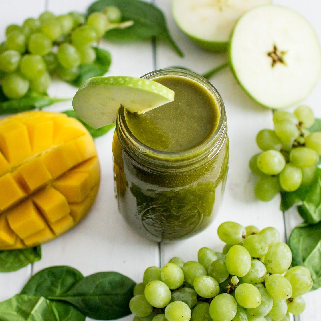 Apfel Weintrauben Mango Smoothie