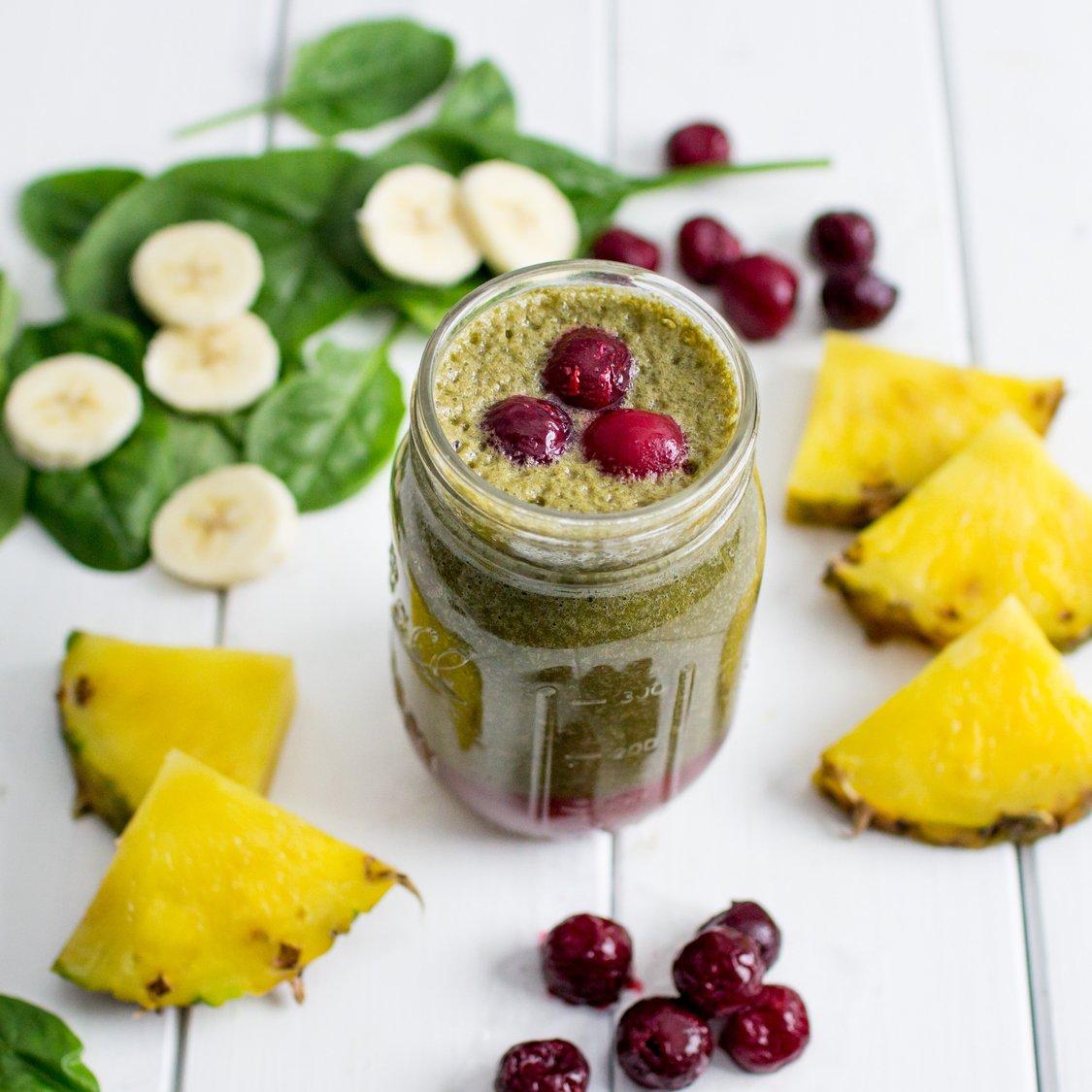 Ananas Kirsch Bananen Smoothie
