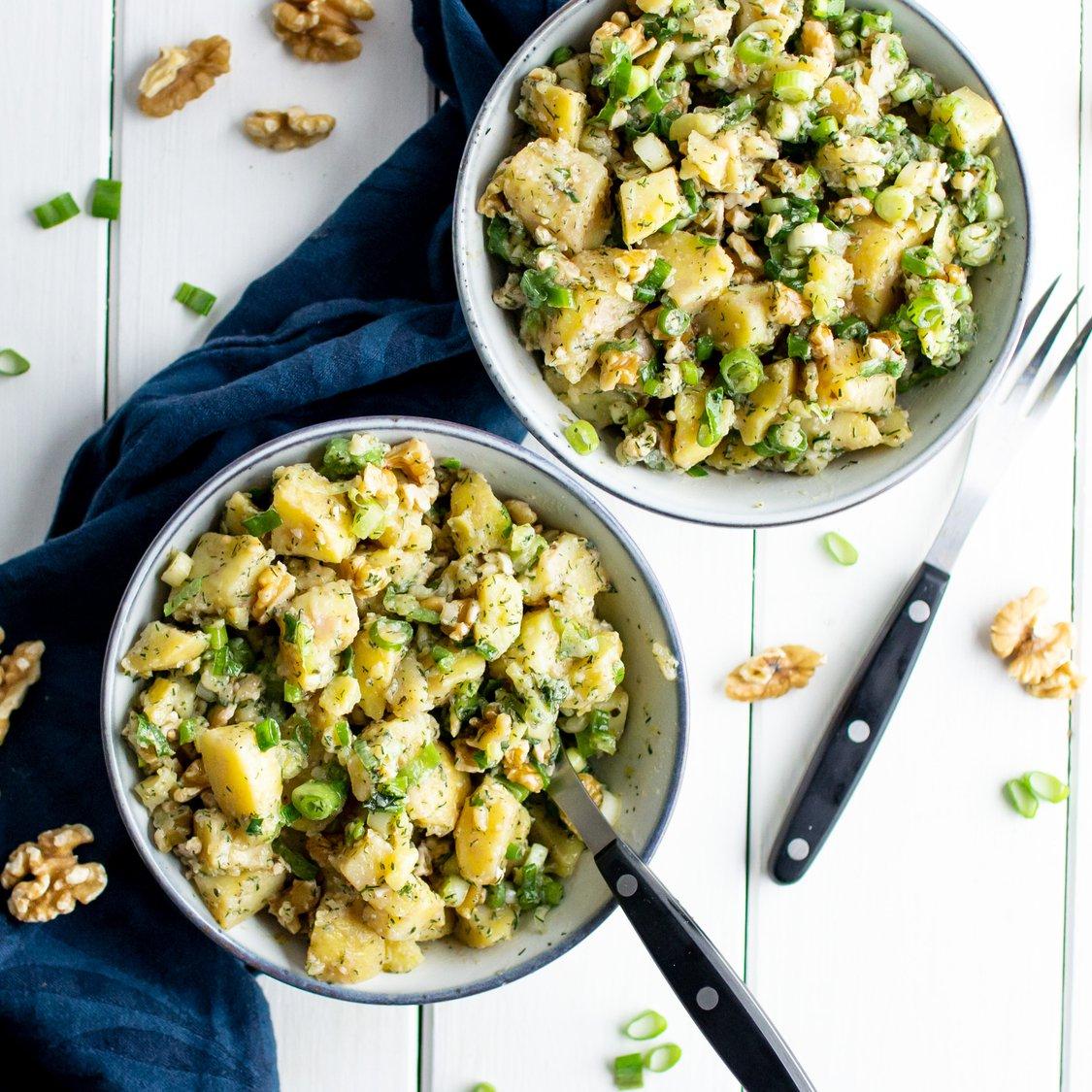 Kartoffelsalat mit Nüssen